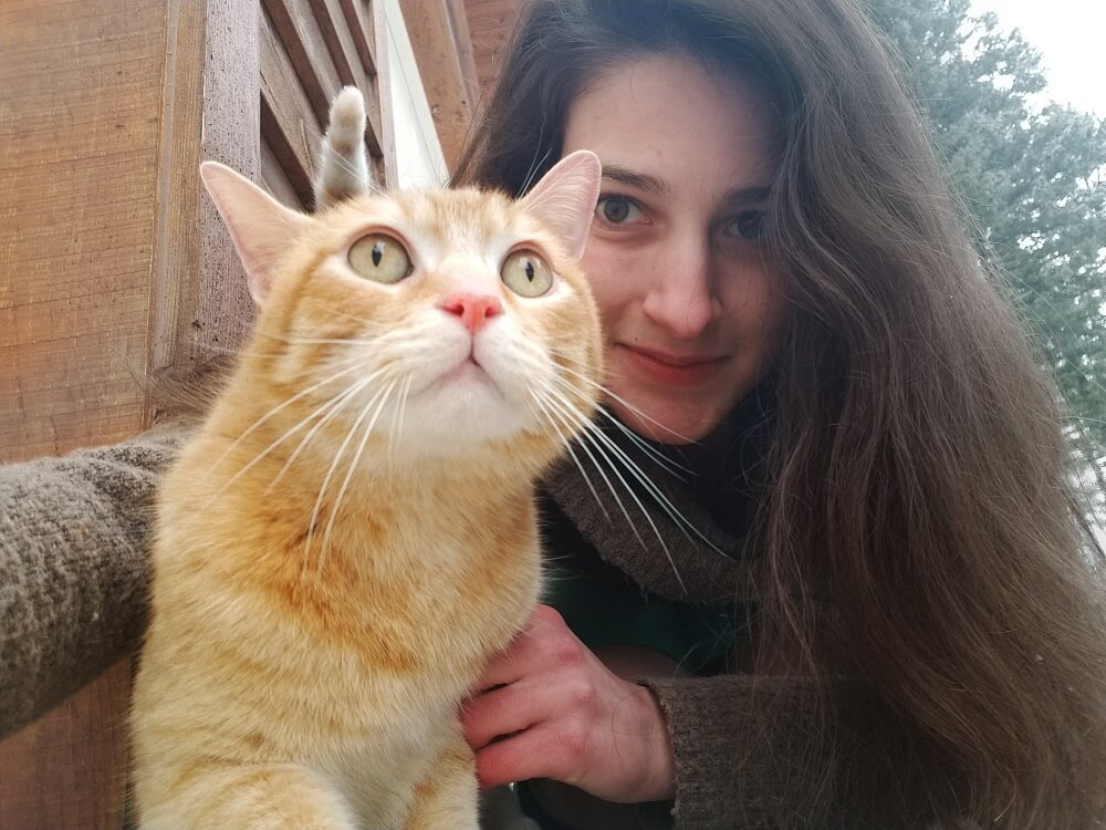 How to Take a Selfie With Your Cat: 12 Tips for a Purrfect Selfie