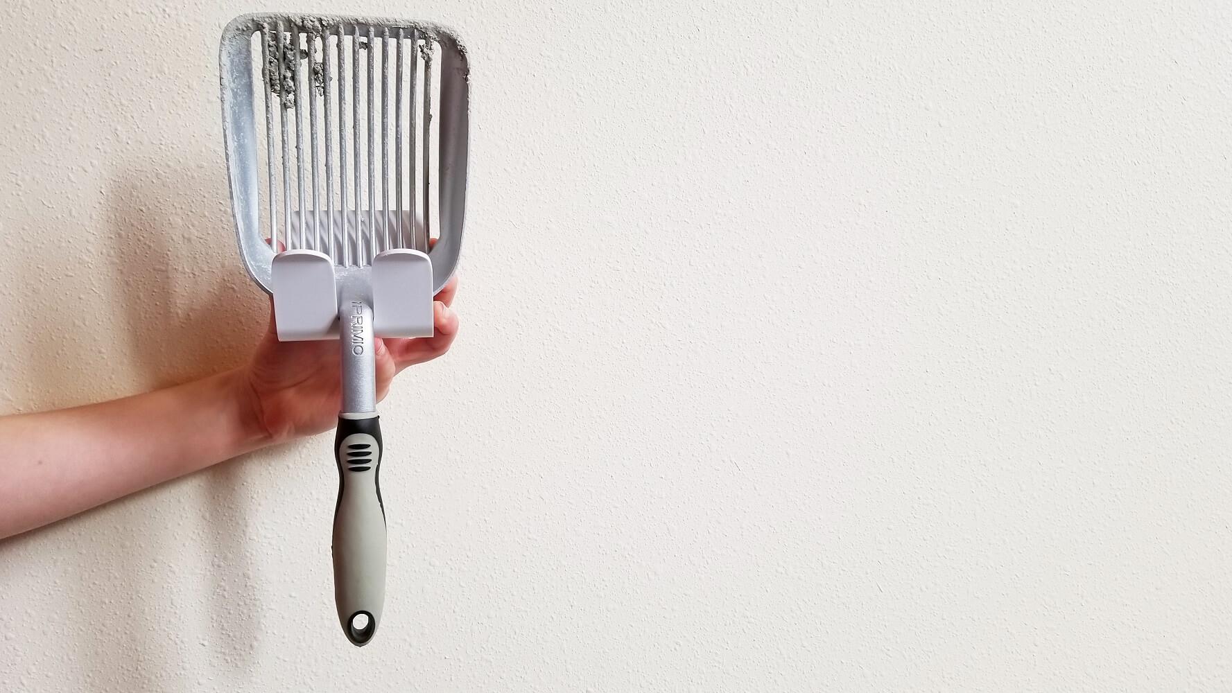 iPrimio litter scoop hanger
