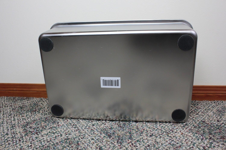 iPrimio Metal Litter Box Underside Grips
