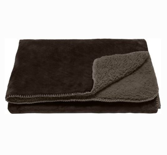 FurHaven waterproof blanket for pregnant cats